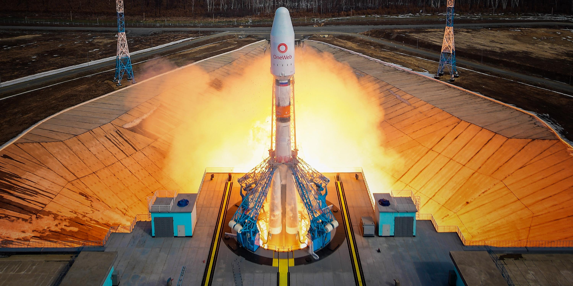 """Союз"" вывел на орбиту 34 британских спутника OneWeb"