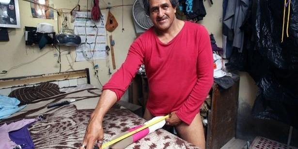 Мексиканцу с полуметровым пенисом власти начали платить пособие по инвалидности