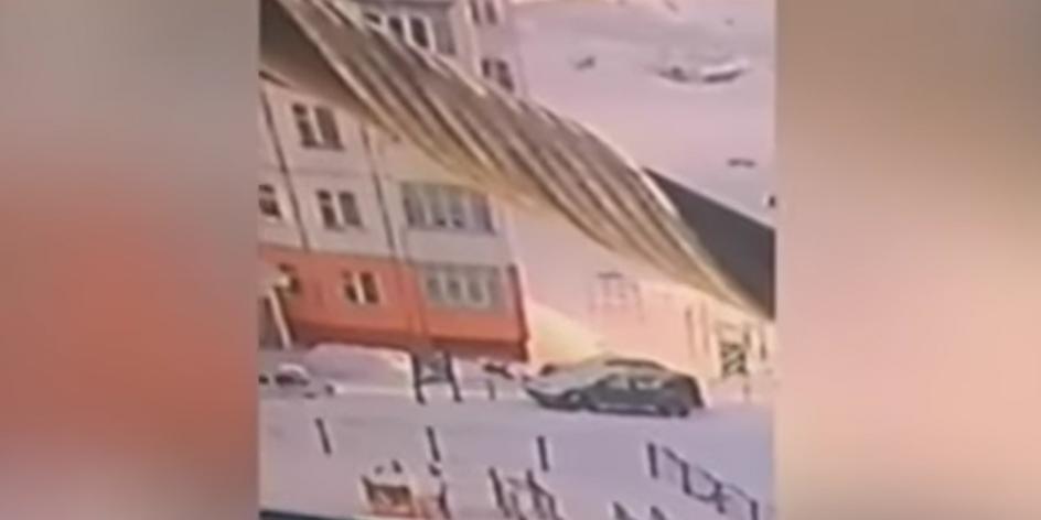 Жительница ХМАО не заметила падения с 9 этажа