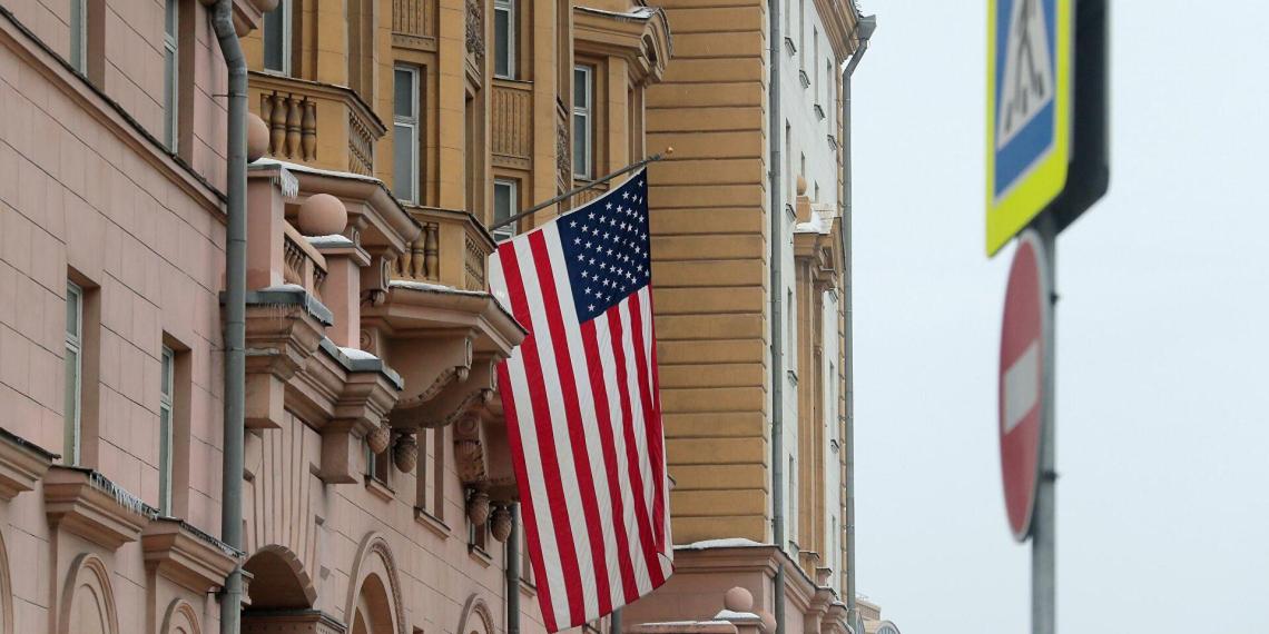 Посольство США в России прекращает выдачу неиммиграционных виз