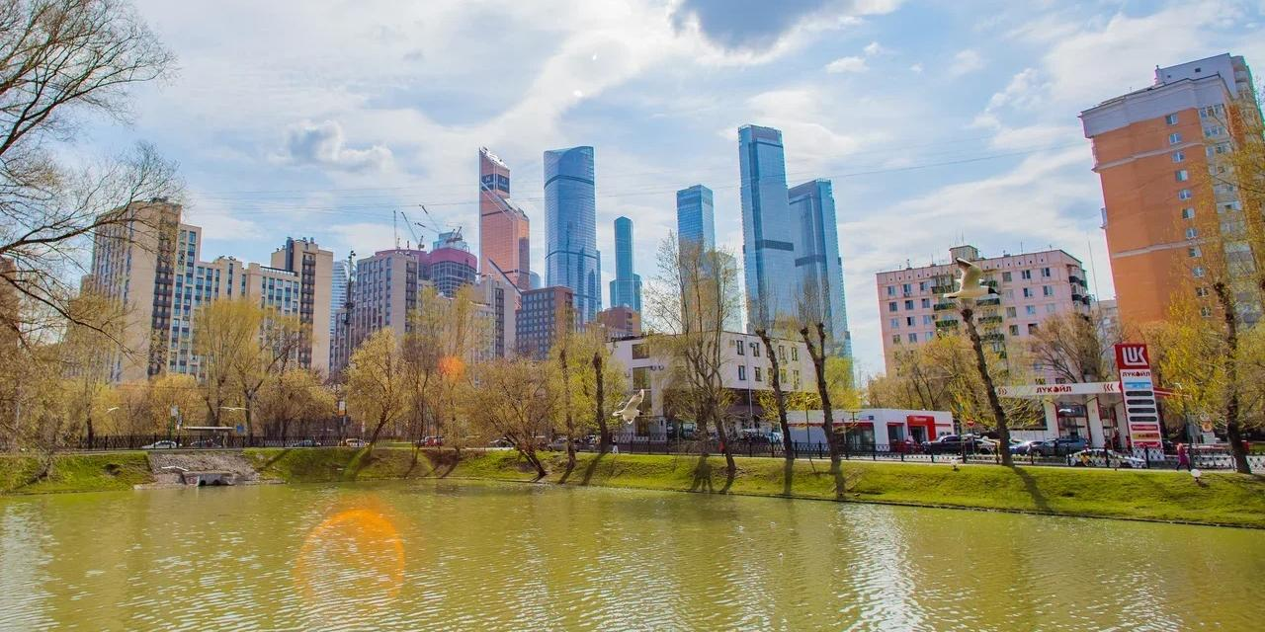 Вакцинацию и обследования в рамках проекта Здоровая Москва можно будет пройти в 46 парках столицы
