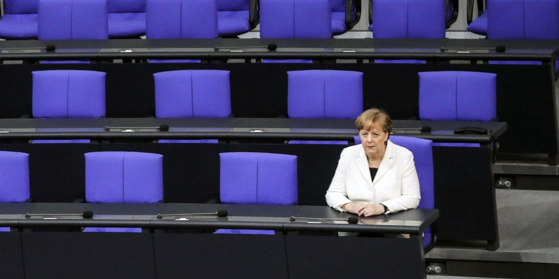 Меркель призвала к закрытию магазинов и ужесточению антиковидных мер