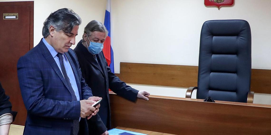 """Пашаев указал на """"виновного"""" в приговоре Ефремову"""