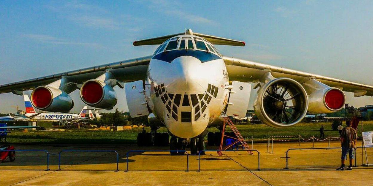 """""""Военно-промышленный курьер"""" рассказал о загадочно исчезнувшем авиамоторе из 1990-х"""