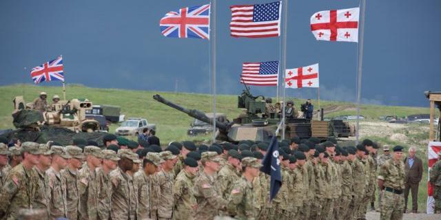 США отправят в Грузию танки, вертолеты и свыше 1000 солдат
