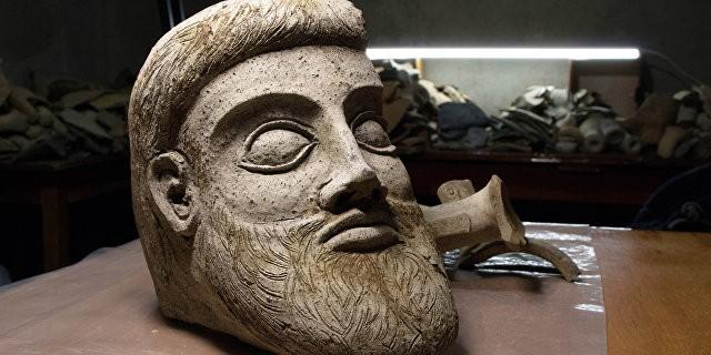 В районе строительства Керченского моста найден фрагмент древней скульптуры