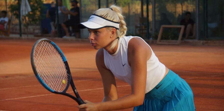 Подававшая надежды теннисистка ушла в порно, чтобы поддержать спортивную карьеру