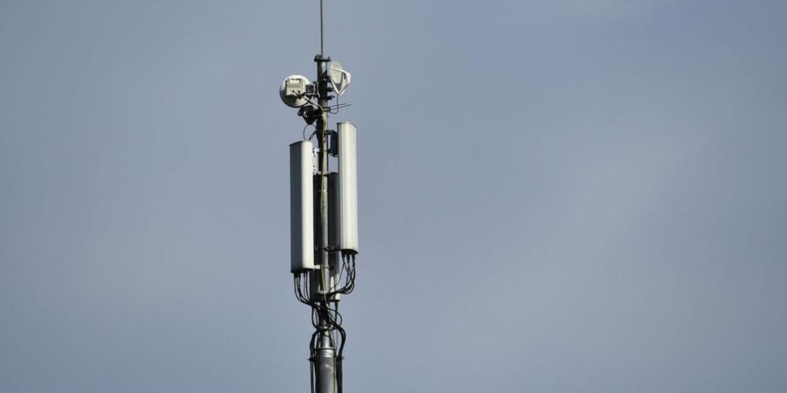 В Северной Осетии отрицающие COVID-19 сожгли вышку сотовой связи