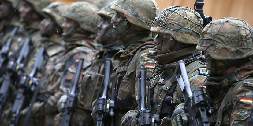 Бундесвер заплатит солдатам-геям за угнетение