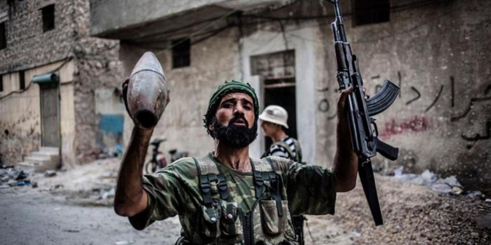 """США и ВОЗ обвинили в попытках поставлять оружие сирийским боевикам под предлогом """"гуманитарки"""""""