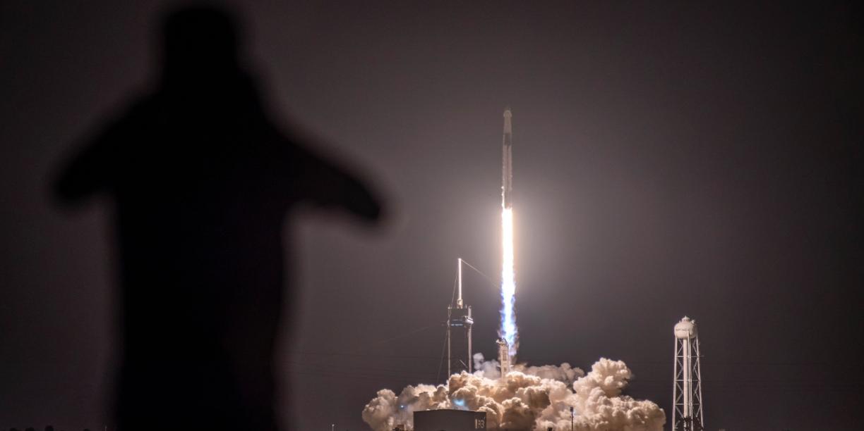 SpaceX до конца года запустит ракету с полностью гражданским экипажем