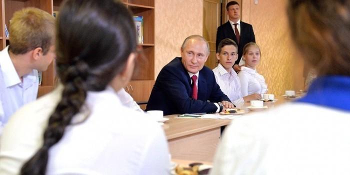 В Кремле назвали детали предстоящей встречи Путина со школьниками