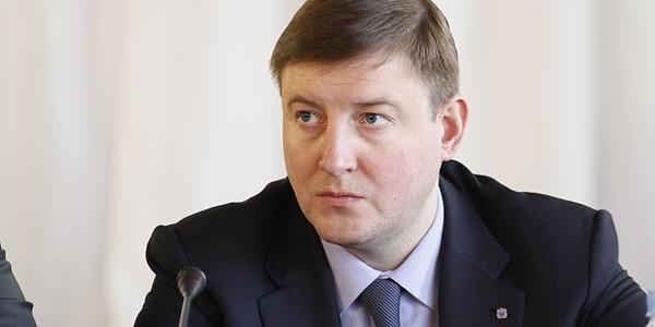 Псковский губернатор предложил увеличить таможенные пошлины на электронику в четыре раза