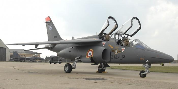 Французского генерала подозревают в использовании боевого самолета для полетов на дачу