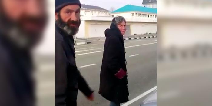 Операция по вывозу бомжей из Сочи завершилась избиением казаков