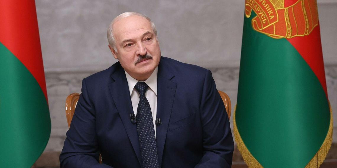 """Лукашенко о выборах в США: """"Позорище, издевательство над демократией"""""""