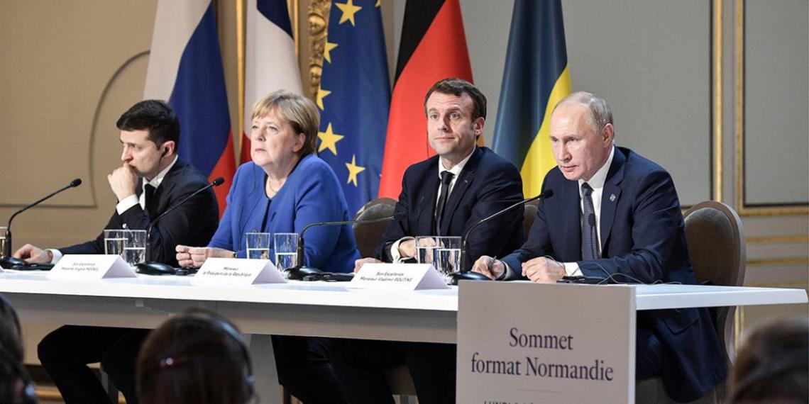 Украина предложила проводить нормандский саммит по интернету