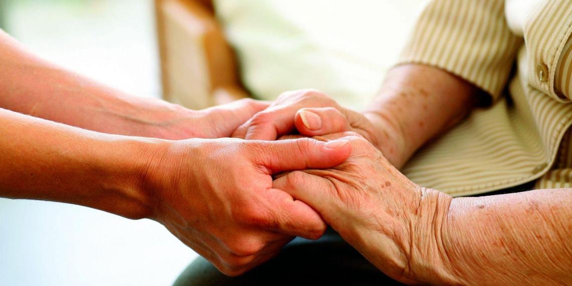 Систему долговременного ухода за пожилыми людьми запустят в 2022 году