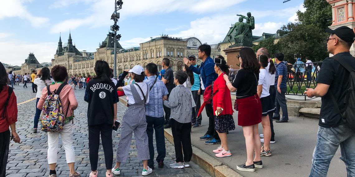 Китайским туристам закрывают въезд в Россию