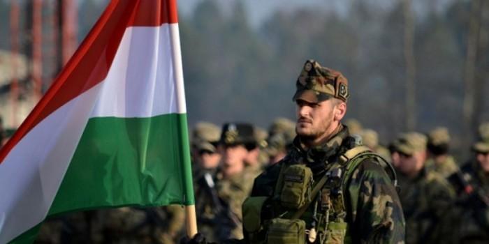 Парламент Венгрии разрешил использовать армию для борьбы с мигрантами