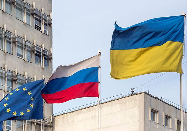 Россия и Евросоюз потеряют от санкций примерно по €100 млрд