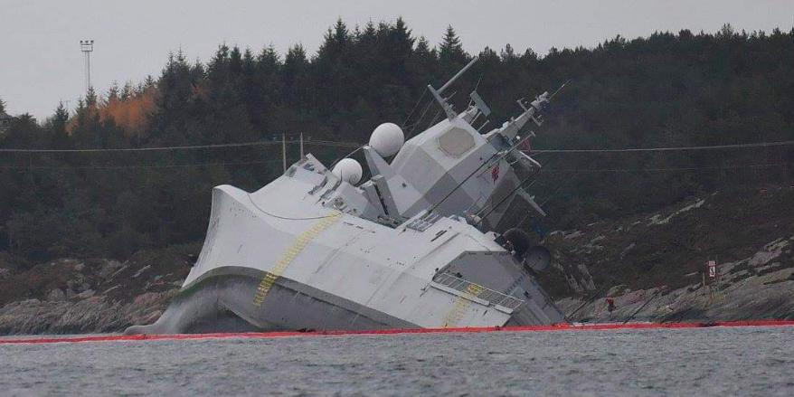 Опубликовано видео столкнувшегося с танкером норвежского фрегата