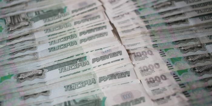 Приставы могут списать около триллиона рублей безнадежных долгов россиян