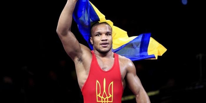 Мамиашвили рассказал, как украинский борец Беленюк умолял забрать его в Россию