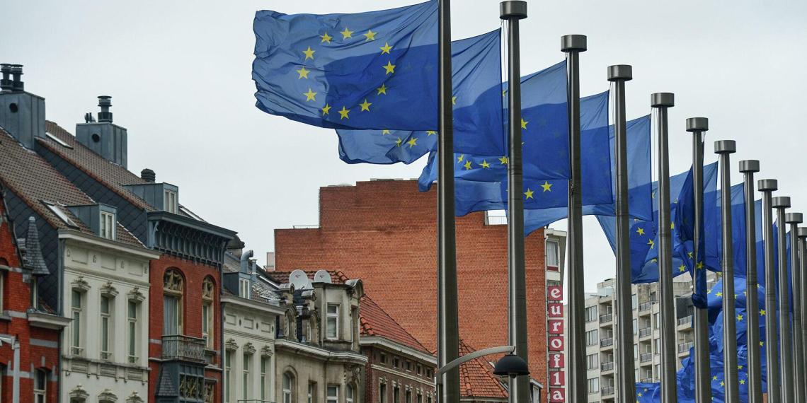Еврокомиссия разрешила странам ЕС закупать российскую вакцину