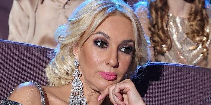 """""""Ей грех жаловаться!"""": глава """"Муз-ТВ"""" ответил Лере Кудрявцевой, обидевшейся на замену ее Бузовой"""
