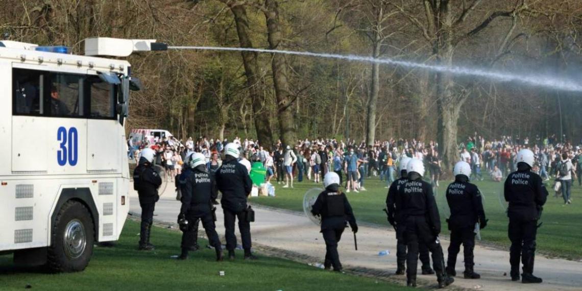 Первоапрельская шутка привела к беспорядкам и столкновениям с полицией в Бельгии