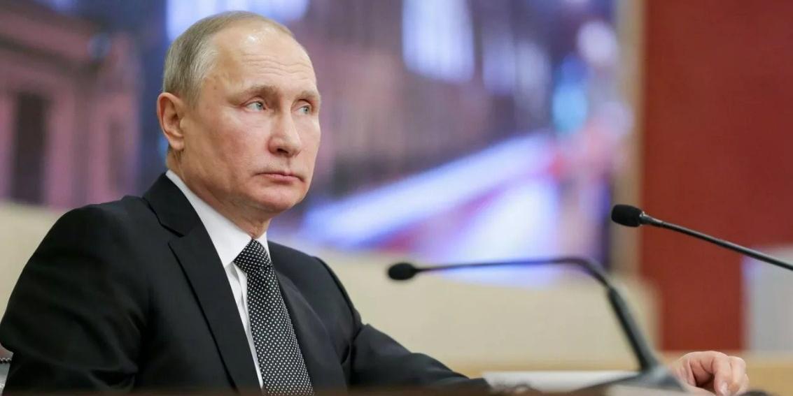 """Путин закрепил в законе о спорте понятие """"тренер-преподаватель"""""""