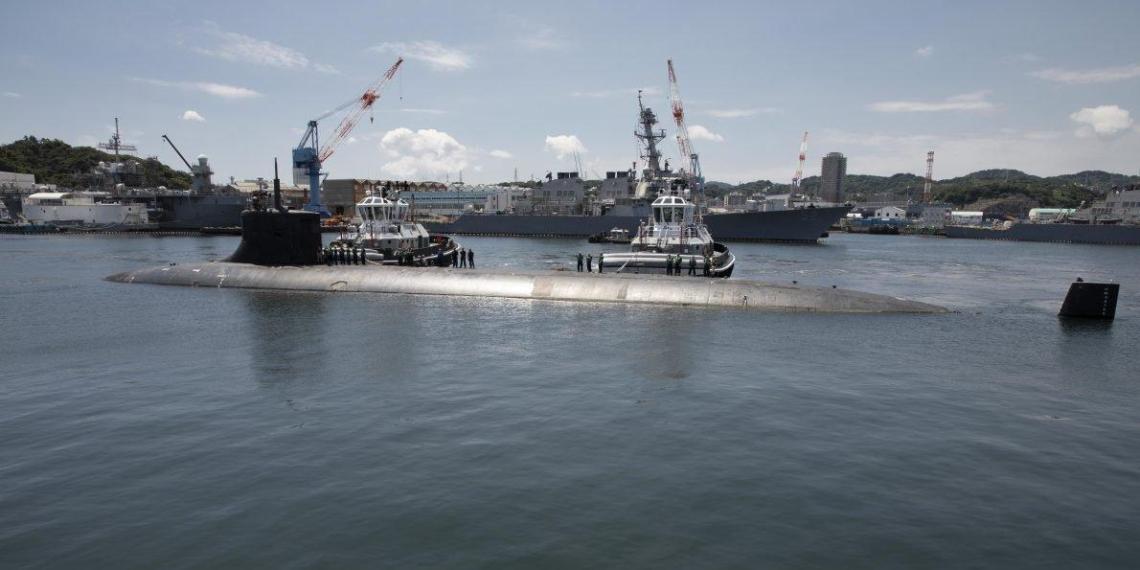 США сообщили о столкновении своей атомной подлодки с неизвестным объектом
