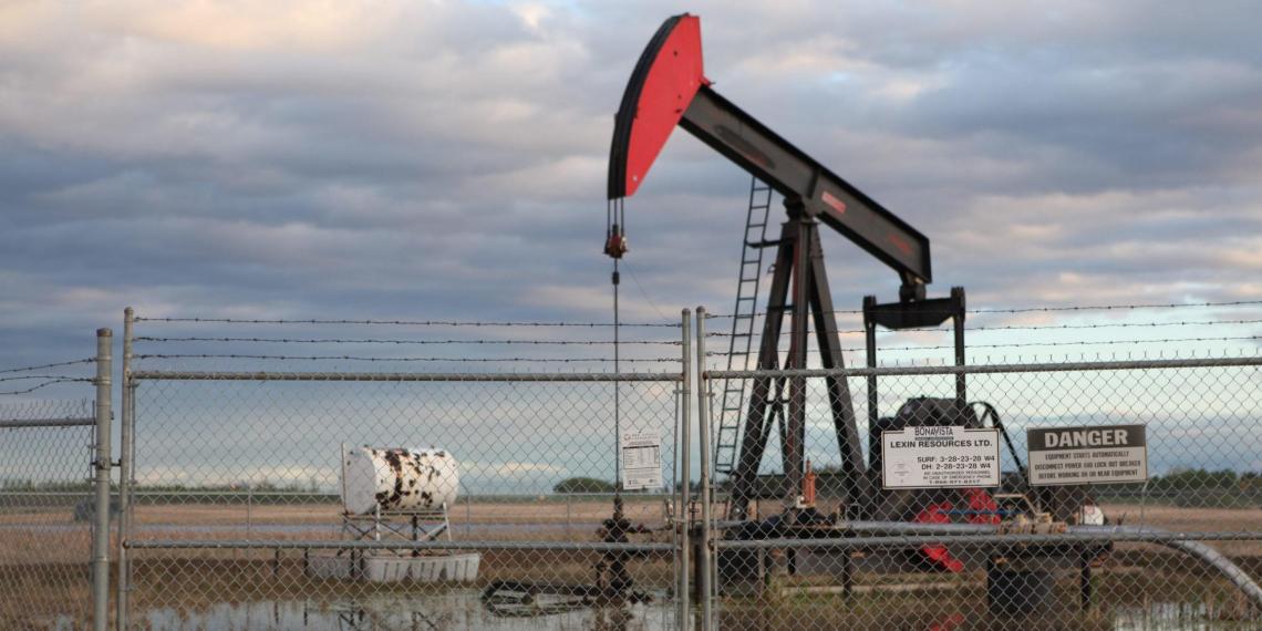 США и Канада могут ввести пошлины на нефть из России