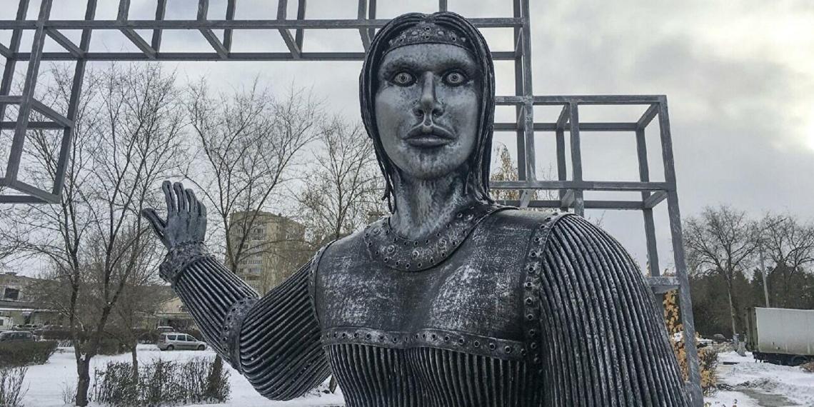 """""""Башспирт"""" хотел сделать скандальный памятник Аленке символом паленой водки"""