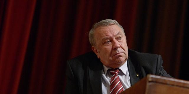 Глава РАН отказался трудоустраивать уволенных Путиным чиновников