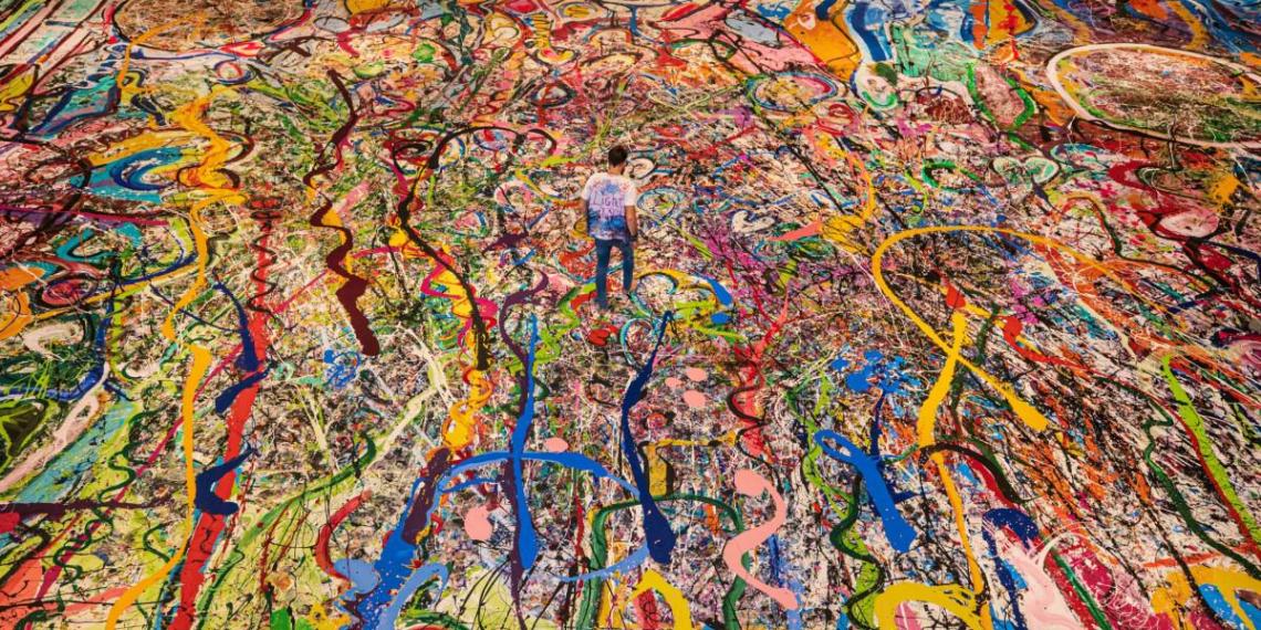 Самую большую в мире картину продали за $62 миллиона на аукционе в Дубае