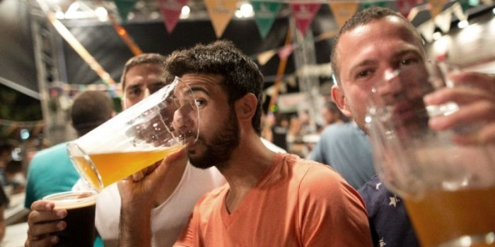 Ученые: пиво делает людей сообразительнее и креативнее
