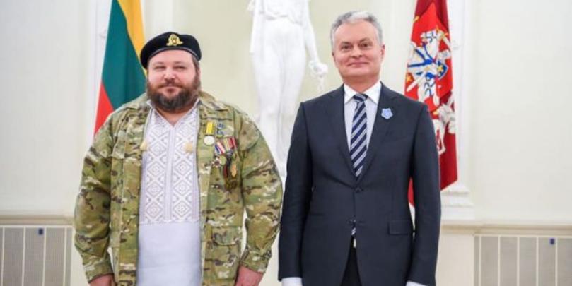 Президент Литвы наградил украинцев, оборонявших Вильнюс от советской армии