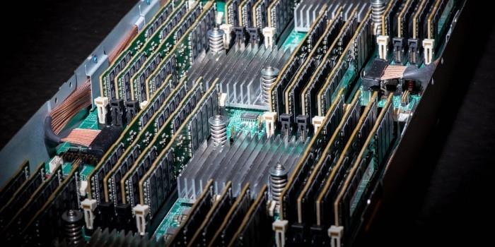 В России испытали новый материал для нейрокомпьютеров