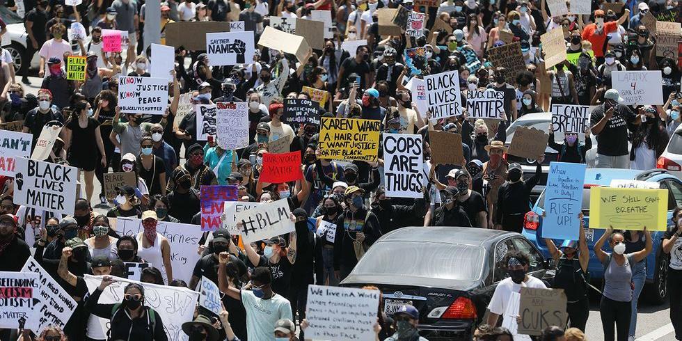 """Страны Африки призвали ООН расследовать """"системный расизм"""" и жестокость полиции в США"""