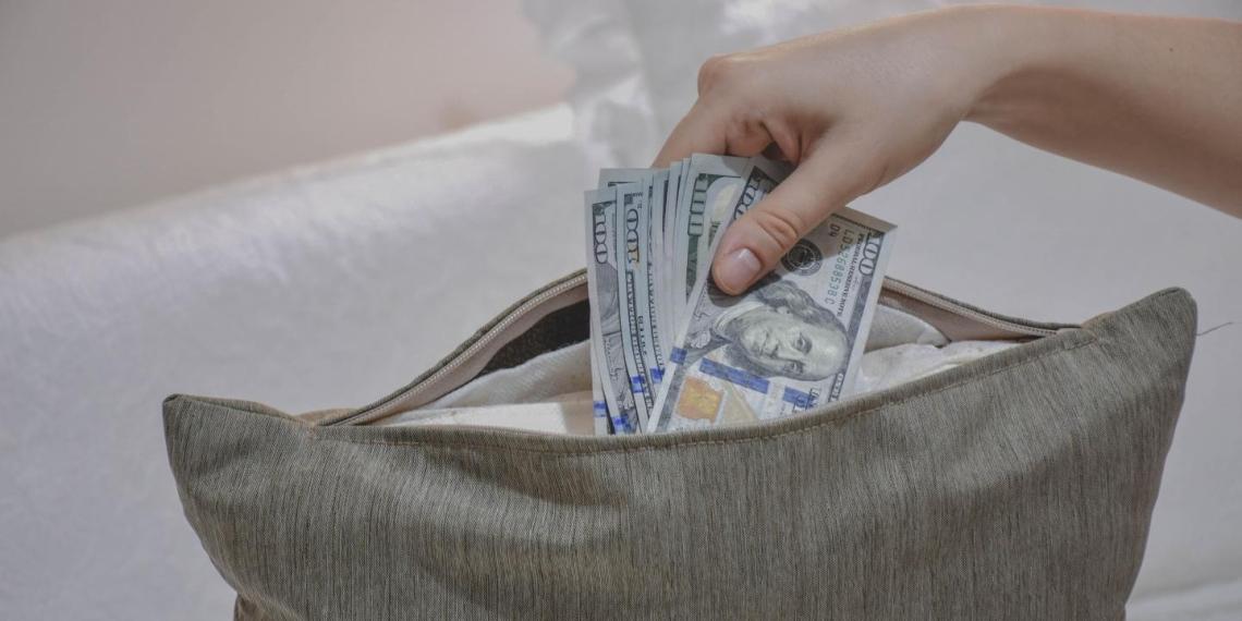 Назван размер необходимой финансовой подушки безопасности для россиян