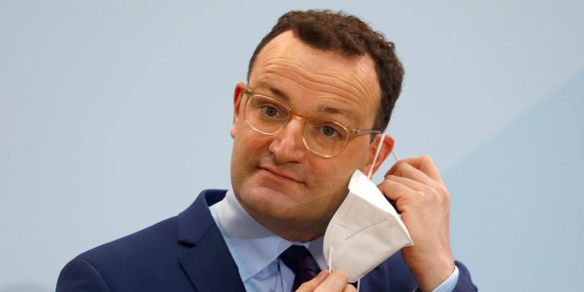 Глава минздрава ФРГ заявил о готовности начать прямые переговоры с РФ о поставках Спутника V