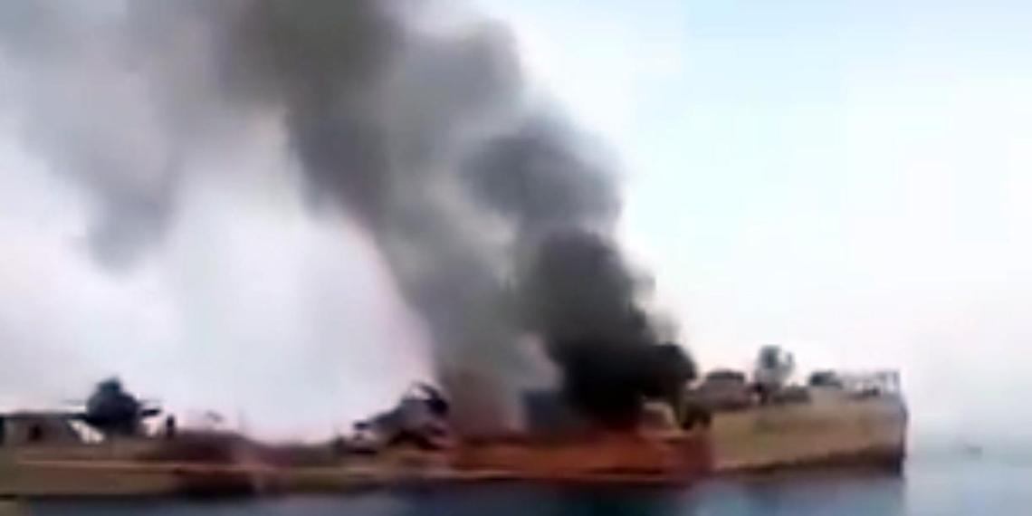 В Иране сняли на видео последствия ошибочного обстрела своего корабля