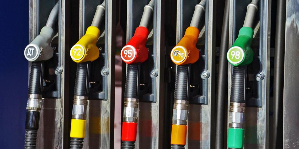 Автолюбителям назвали способы распознавания качественного бензина