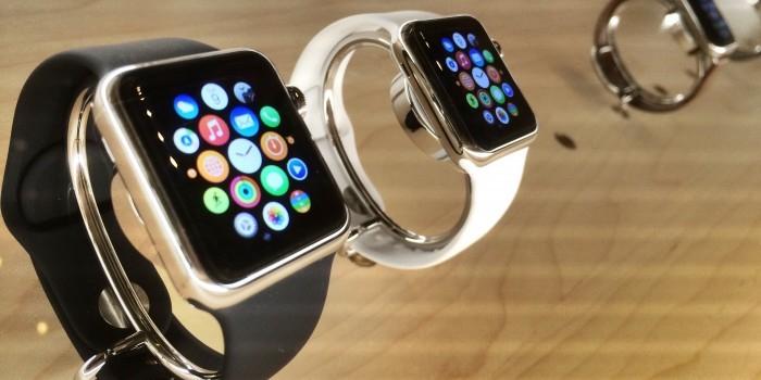 """Британским министрам запретили носить Apple Watch из-за """"русских хакеров"""""""