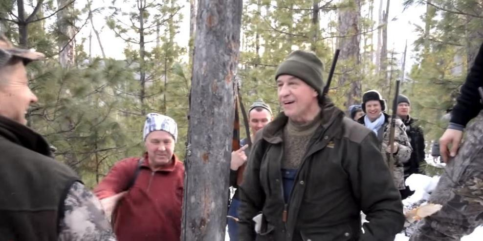 Экологи добились проверки в отношении застрелившего спящего медведя губернатора Левченко