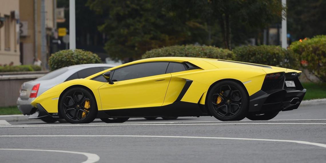 Lamborghini Кокорина без номеров отвезли на штрафстоянку в Москве