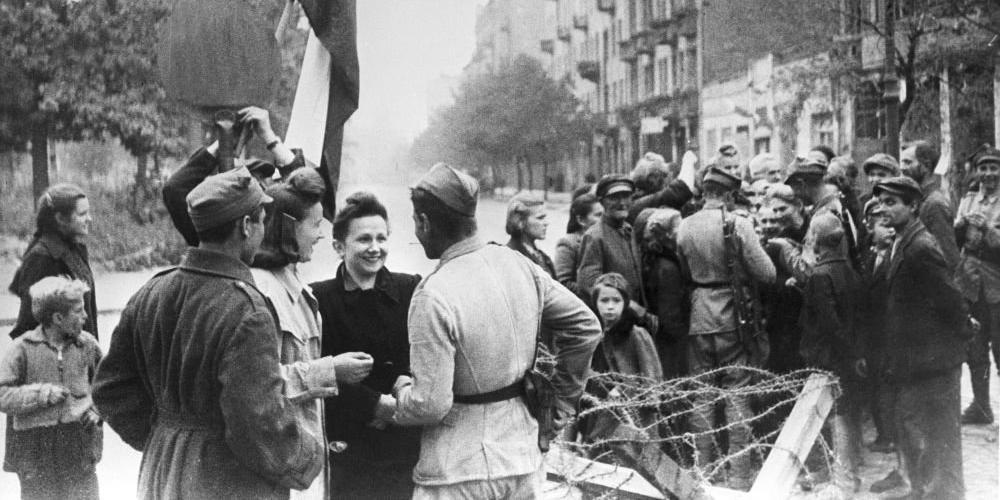 МИД Польши объяснил ненависть поляков к сталинскому режиму