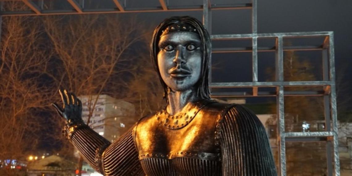 Жириновский повесил над кабинетом фото скандального памятника Алёнке